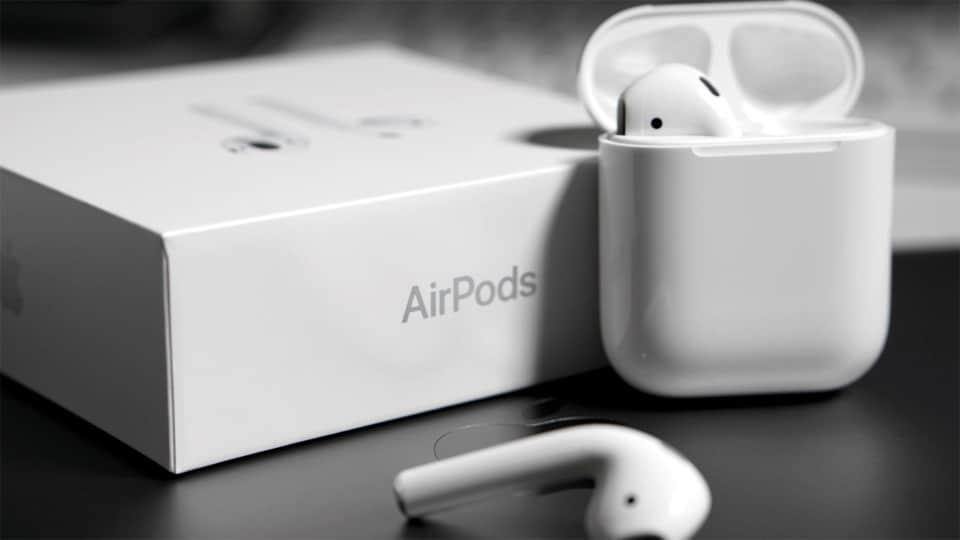 Cutie, carcasa si casti Apple Airpods 2.
